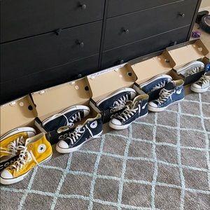 Lot of men's converse size 10